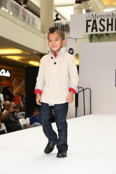 What a show stopper!!  Gap model.  Just so adorable!